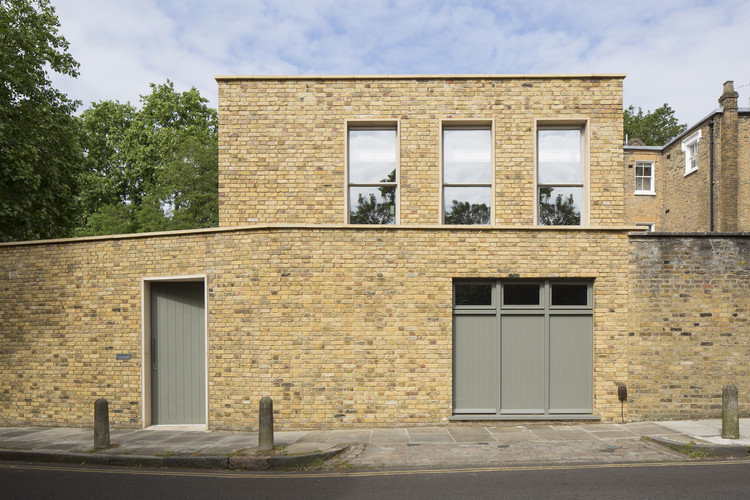 Prefabricated Islington Courtyard House / Mitzman Architects LLP, © Richard Chivers