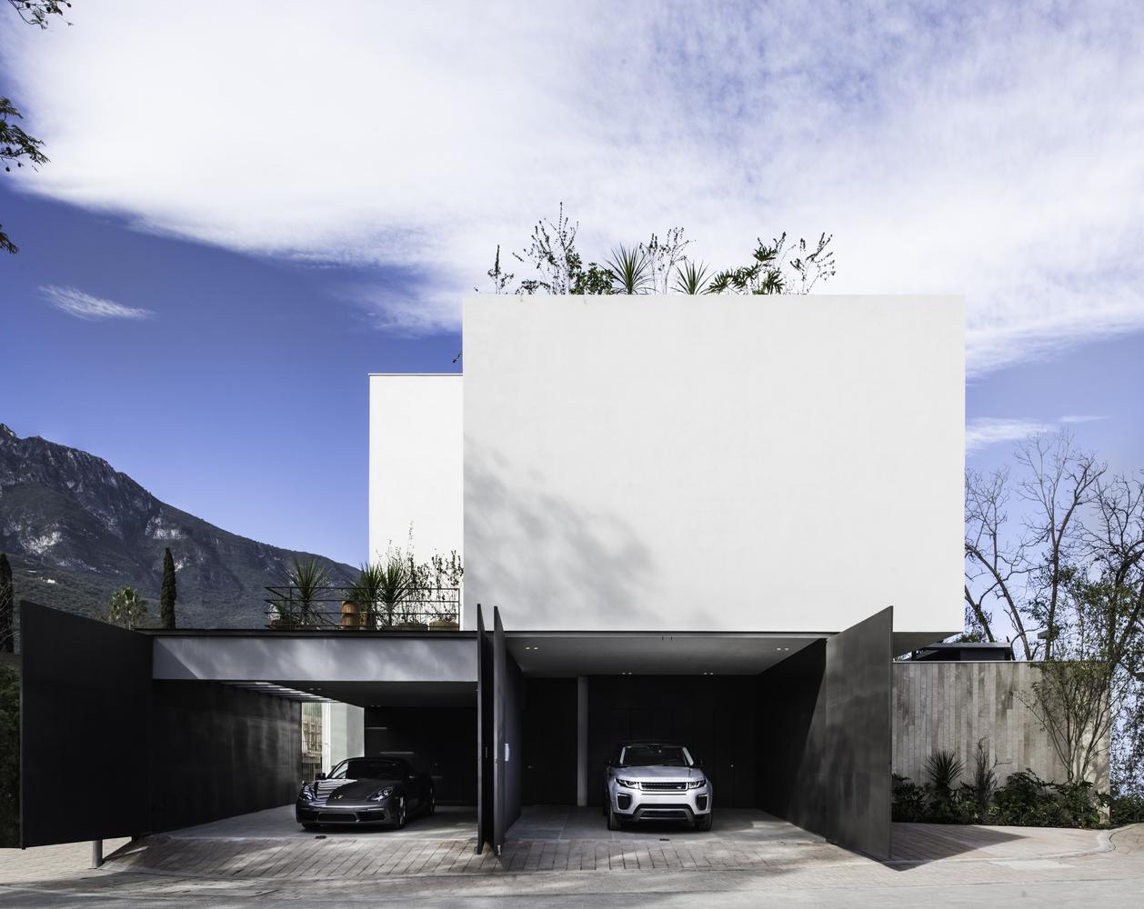 Genius Loci House / Gabriela Carrillo Valdez + tescala