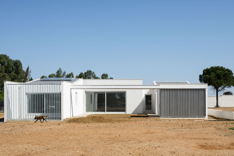 House in the Fields / Estudio Acta, © Fernando Alda