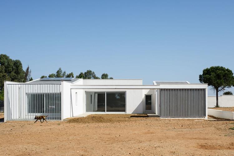 Casa en el campo / Estudio Acta, © Fernando Alda