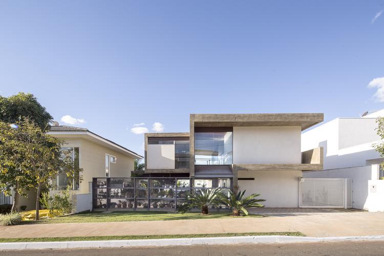 Casa Bentes / CoDA arquitetos, © Joana França