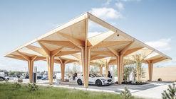 Estación de carga ultra rápida para vehículos eléctricos / COBE