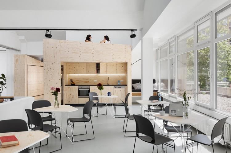 Impact Hub Berlin Office Interiors / LXSY Architekten, © Anne Deppe