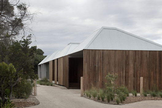 Point Lonsdale House / Edition Office