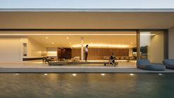Casa JY / Studio Arthur Casas