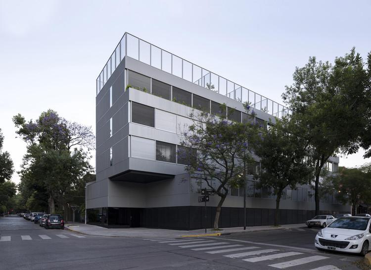 Edificio la vecindad plaza Mafalda / Adamo Faiden, © Javier Agustín Rojas