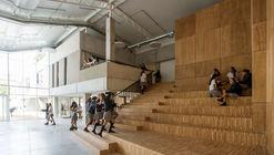 Colegio Los Pilares / Dovat Arquitectos