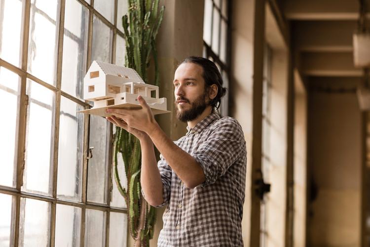 40% de los arquitectos colombianos complementa su profesión con otra actividad, según estudio del CPNAA, © Jan Faukner