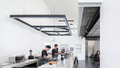 Option Coffee Bar / TOUCH Architect
