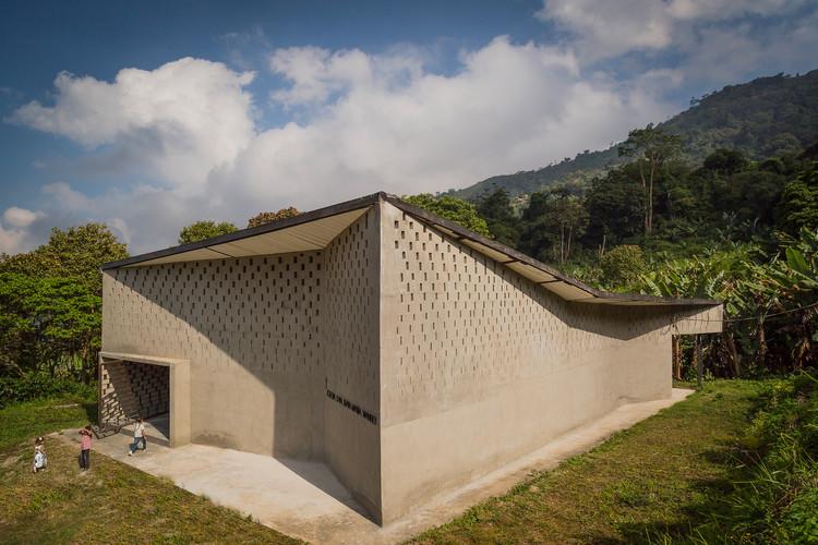 Iglesia San Juan María Vianney – Media Legua / Enlace Arquitectura, © Carlos Ancheta