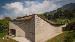 Iglesia San Juan María Vianney – Media Legua / Enlace Arquitectura