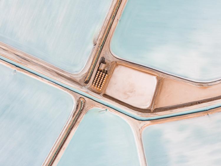 A beleza geométrica das paisagens de sal marinho vistas de cima, © Tom Hegen