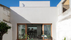 House for a Writer / Iniesta Nowell Arquitectos