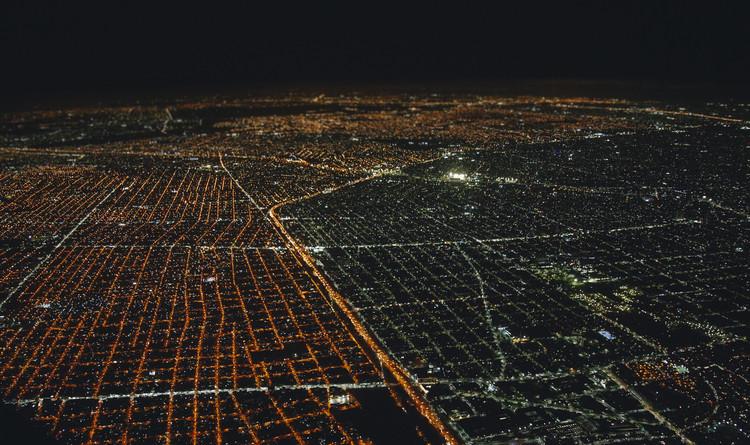 Buenos Aires con alumbrado público 100% LED: ¿qué se puede hacer desde el hogar?, vía Gobierno de Ciudad Autónoma de Buenos Aires Licensed under CC BY 2.5 AR