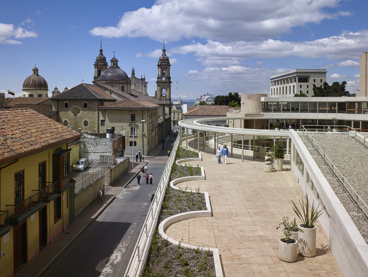 Cómo el Centro Histórico de Bogotá puede ser un detonante urbano, Centro cultural García Marquez. Image © Enrique Guzman