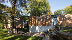 Villa in Park / EA Architekti