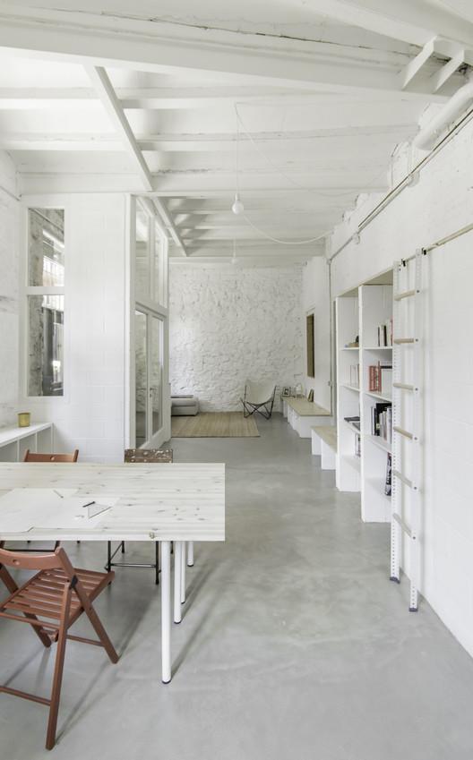 Sants House Workshop / andrea + joan arquitectes | ArchDaily