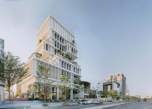 Richgreen Building / Keywow Architecture