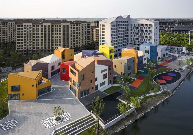 Novo Centro Comercial de LingGang / Shanghai ZF Architectural Design, Imagem aérea. Imagem © Yong Zhang