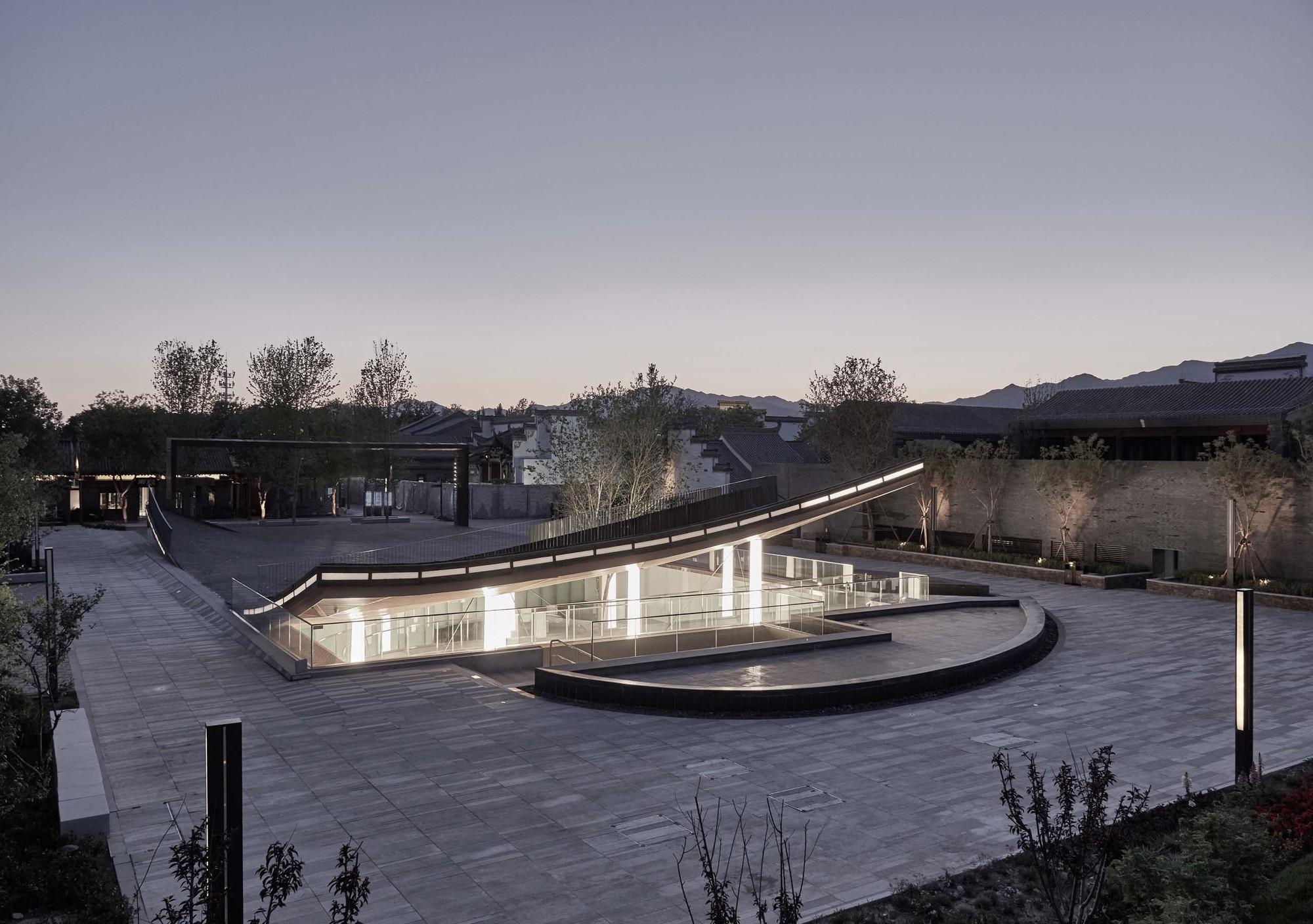 Piazza & Art Space / Atelier TeamMinus
