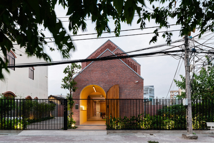 Oldmeetsnew House / Block Architects, © Quangdam