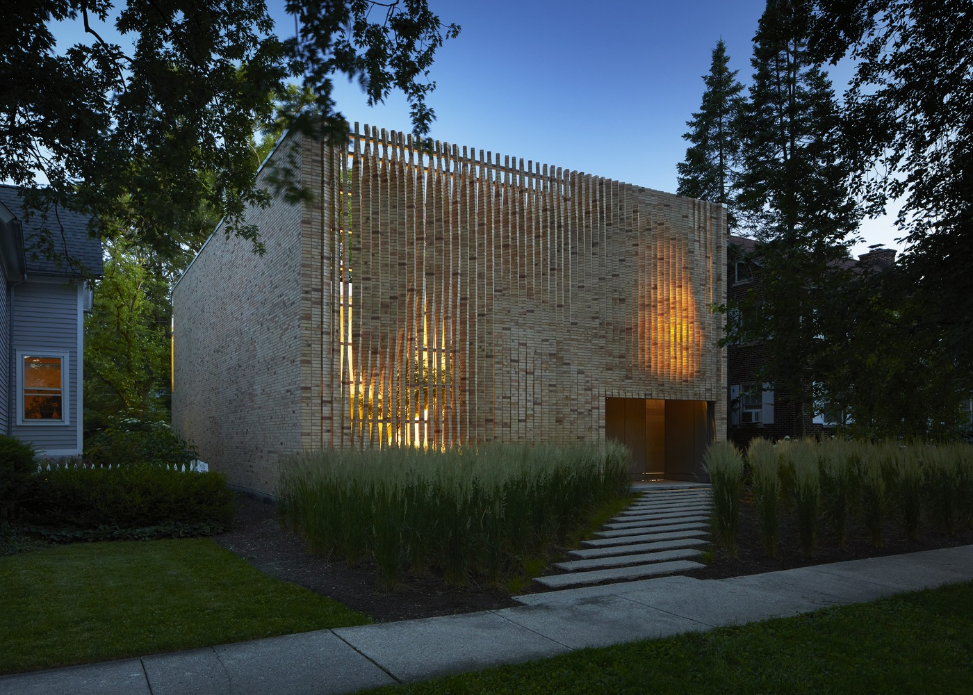release date: 5d730 2efb1 Gallery of Thayer Brick House / Brooks + Scarpa + Studio ...