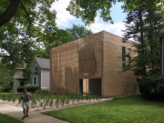 Thayer Brick House / Brooks + Scarpa + Studio Dwell Architects