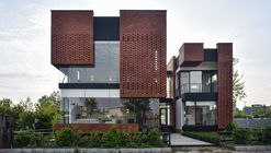 Maziar Brick House / Naghshe Khak Architectural Group