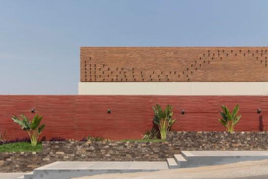 Restaurant Costa Brava Cocina de Mar / Apaloosa Estudio de Arquitectura y Diseño + Simetría Estudio de Arquitectura