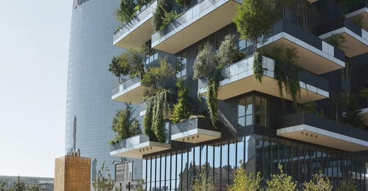 Universidade Politécnica de Valência oferece curso online gratuito sobre sustentabilidade na arquitetura, Edifício Bosco Verticale / Boeri Studio. Image © Paolo Rosselli