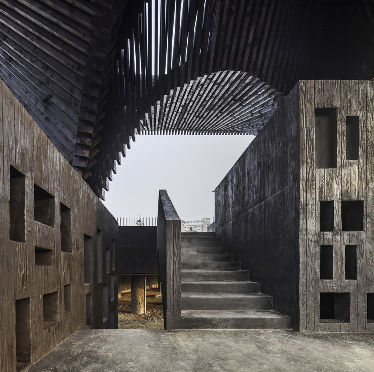 Loucuras e monumentos, GWANGJURIVER READING ROOM. Image © Kyungsub Shin