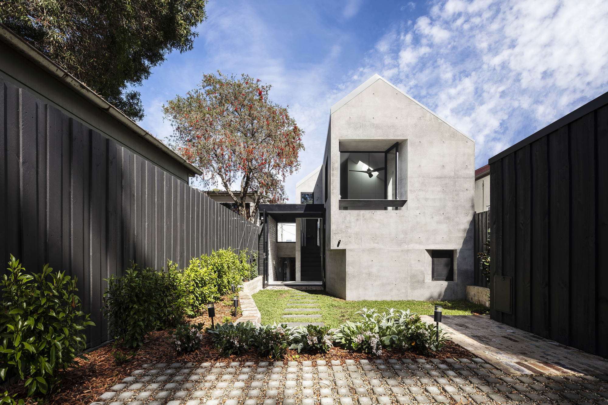 Balmain Rock House / Benn & Penna Architects