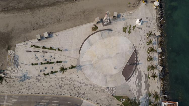 Plaza marina mercante  / Taller DIEZ 05, © Luis Gordoa