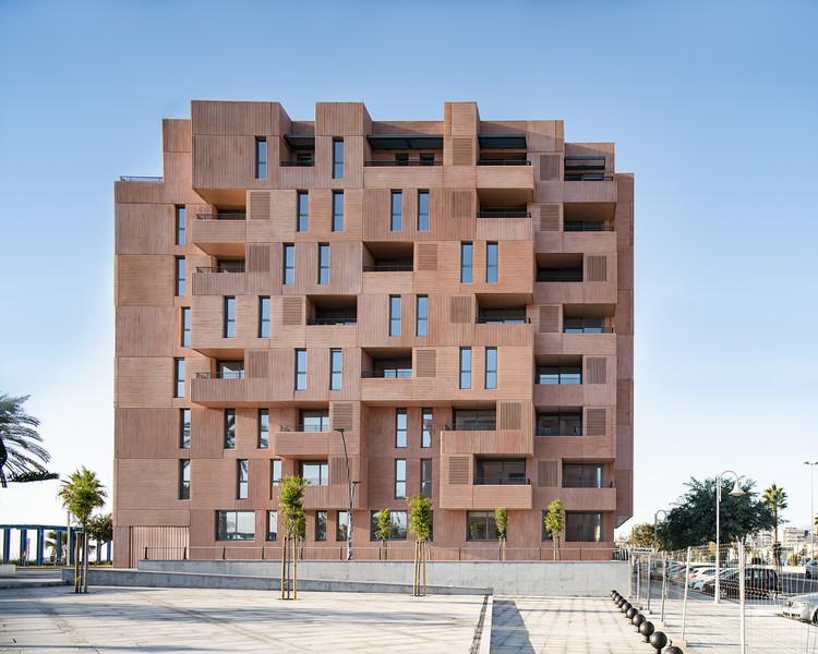 Edificio de 73 viviendas de alquiler / Muñoz Miranda Architects, © Javier Callejas Sevilla
