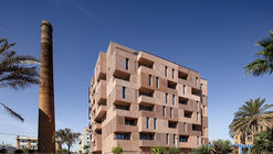 Building of 73 Apartments / Muñoz Miranda Architects