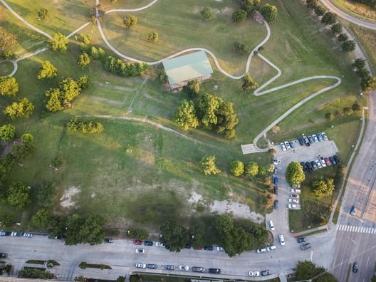 Headquarters' site, adjoining Spotts Park. © MRC / Urban Tripod