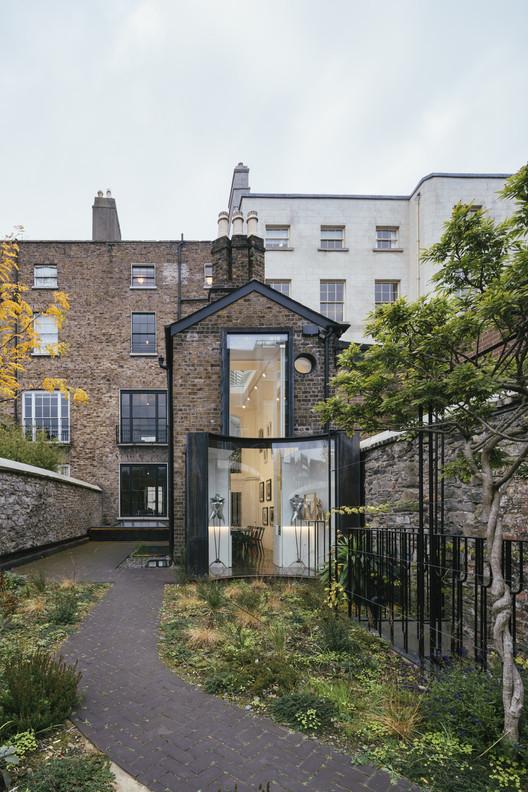 D2 Townhouse / Jake Moulson Architects