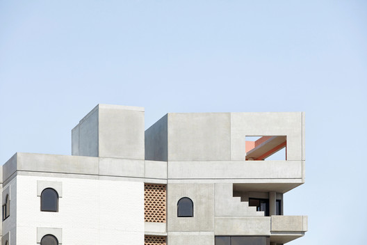 Hotel Calile / Richards and Spence