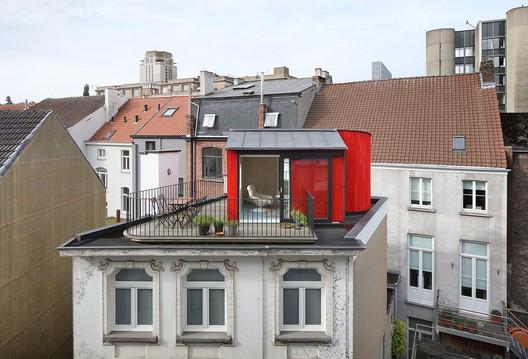 Hofstraat House Addition / Dierendonckblancke Architects