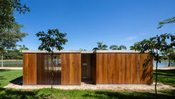 Bath and Storage Pavilion / brro arquitetos