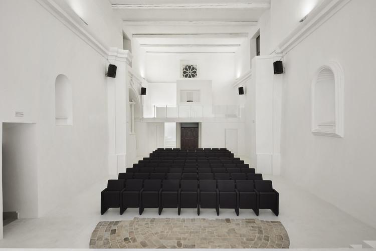 Transformación de la iglesia de San Rocco en teatro / Luigi Valente + Mauro Di Bona, © Stefano Pedretti