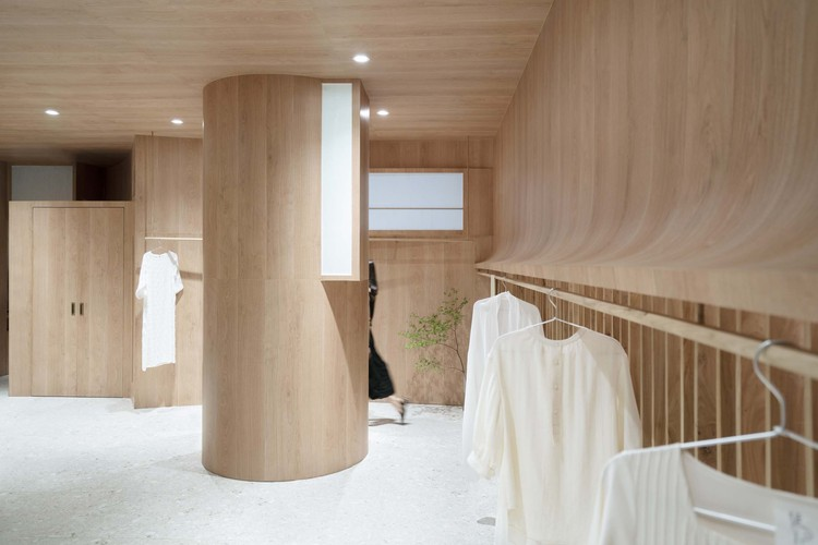 Wang Xi Fashion Studio / PaM Design Office, dressing room. Image © Zhipeng Zhou, Huijiao Wang