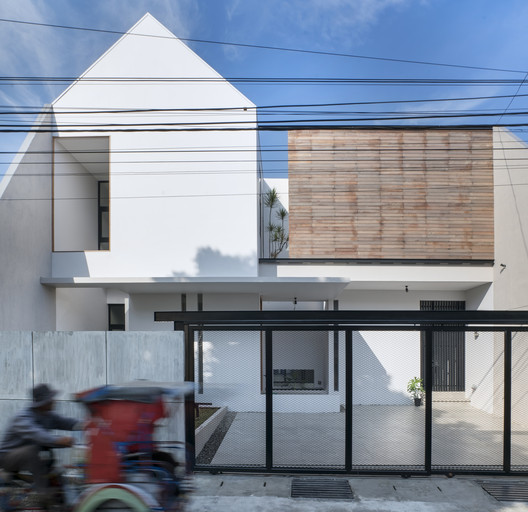 Casa AT 3/56 / e.Re studio