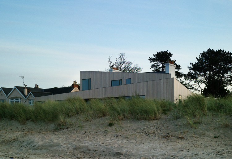 House on Burrow Beach / Plus Architecture, © Mary-Louise Halpenny