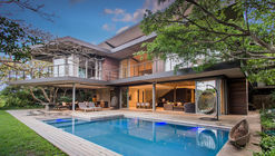 Pambathi Lane House / Metropole Architects