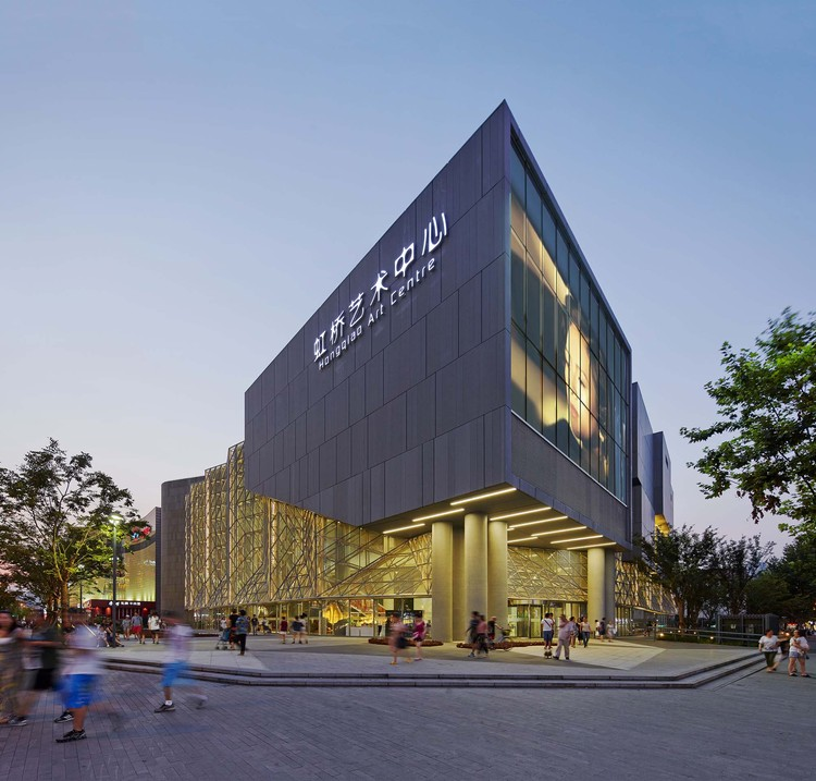 Shanghai Hongqiao Performing Arts Center / BAU, © He Shu
