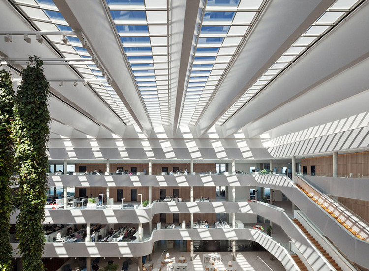 Are There Existing Daylight Design Standards? Learn about the First European Standard, Atrium Longlight in DSV Office Building