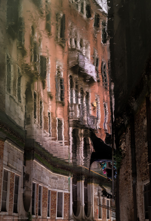 Mayank Thammalla Transforms the Venetian Canals into an Architectural Canvas, © Mayank Thammalla