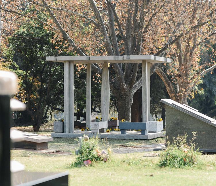 Masekela Memorial Pavilion / Adjaye Associates, © Alexi Portokallis