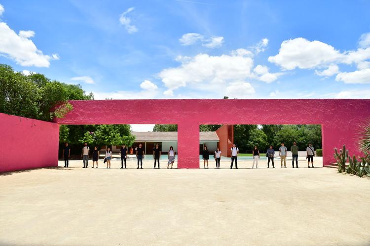Así se vivió el primer workshop Porto Academy 'Visiting Barragán' en México, Fotografía del taller 'Looking Closer' impartido por Rozana Montiel en colaboración con Hortense Blanchard. Image © Gisela Ceja